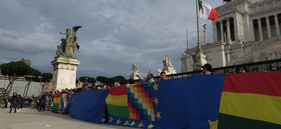 Banderazo Bolivia en Roma