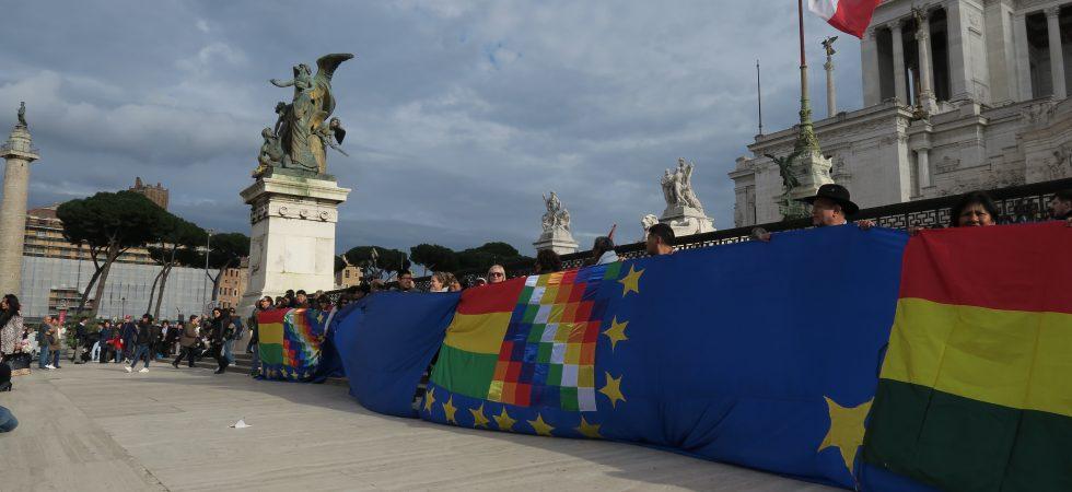 Banderazo Comunidad Boliviana Roma